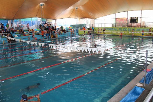 Palacio de la juventud - Red voley piscina ...